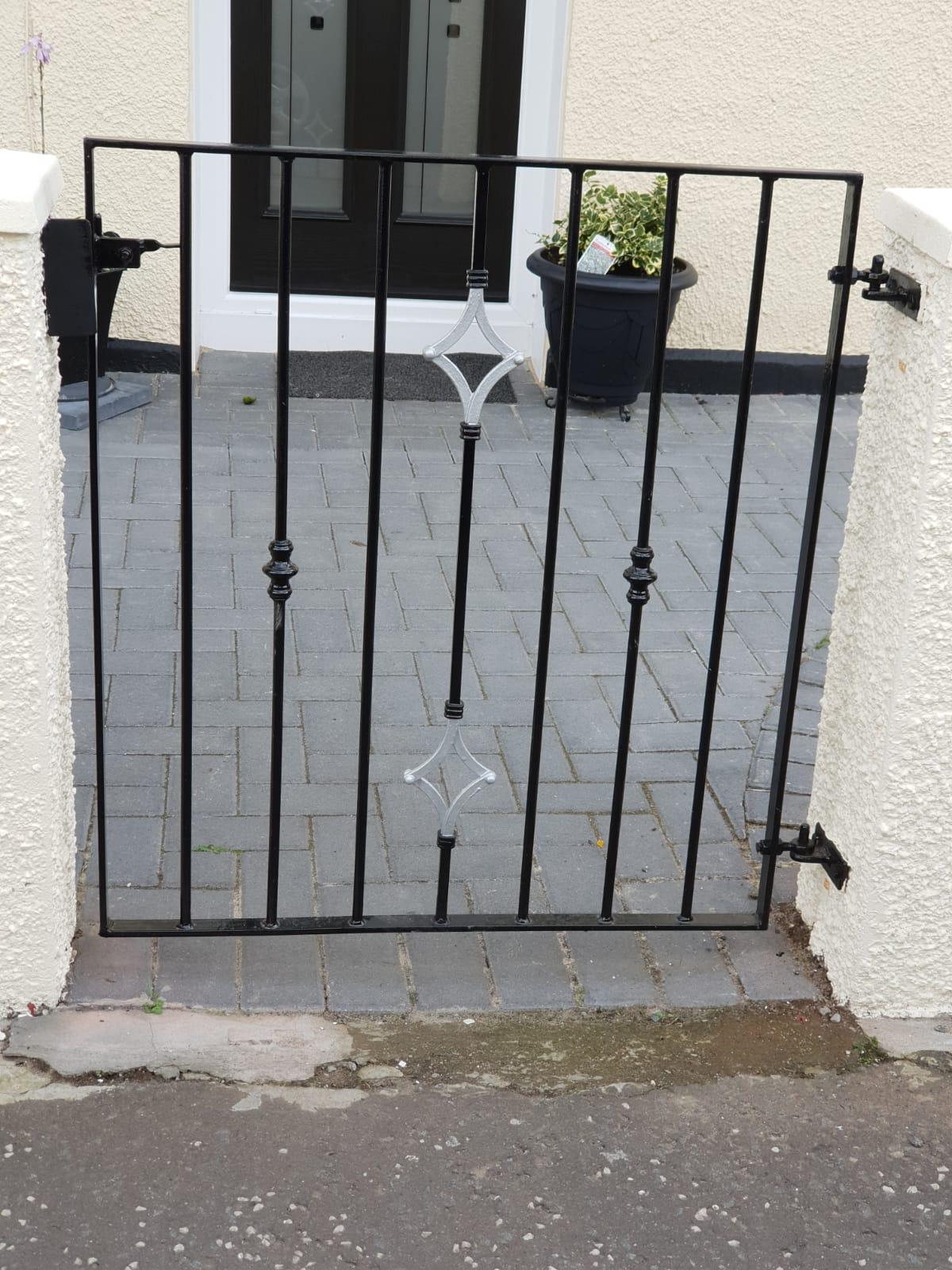 Modern garden gate fitted in Kilmarnock by Dain Art Iron