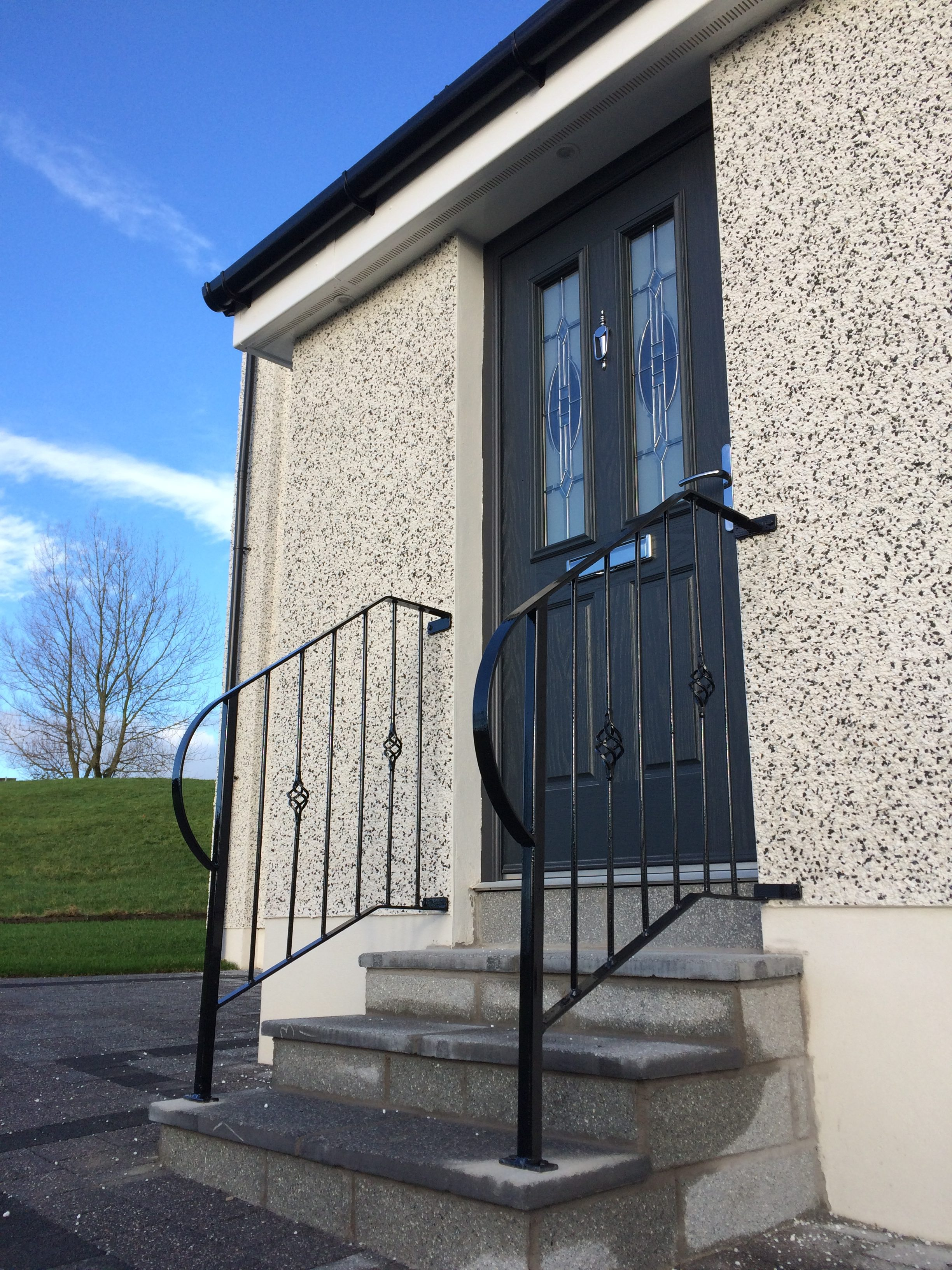 Metal handrail for front step in Kilwinning by Dain Art Iron