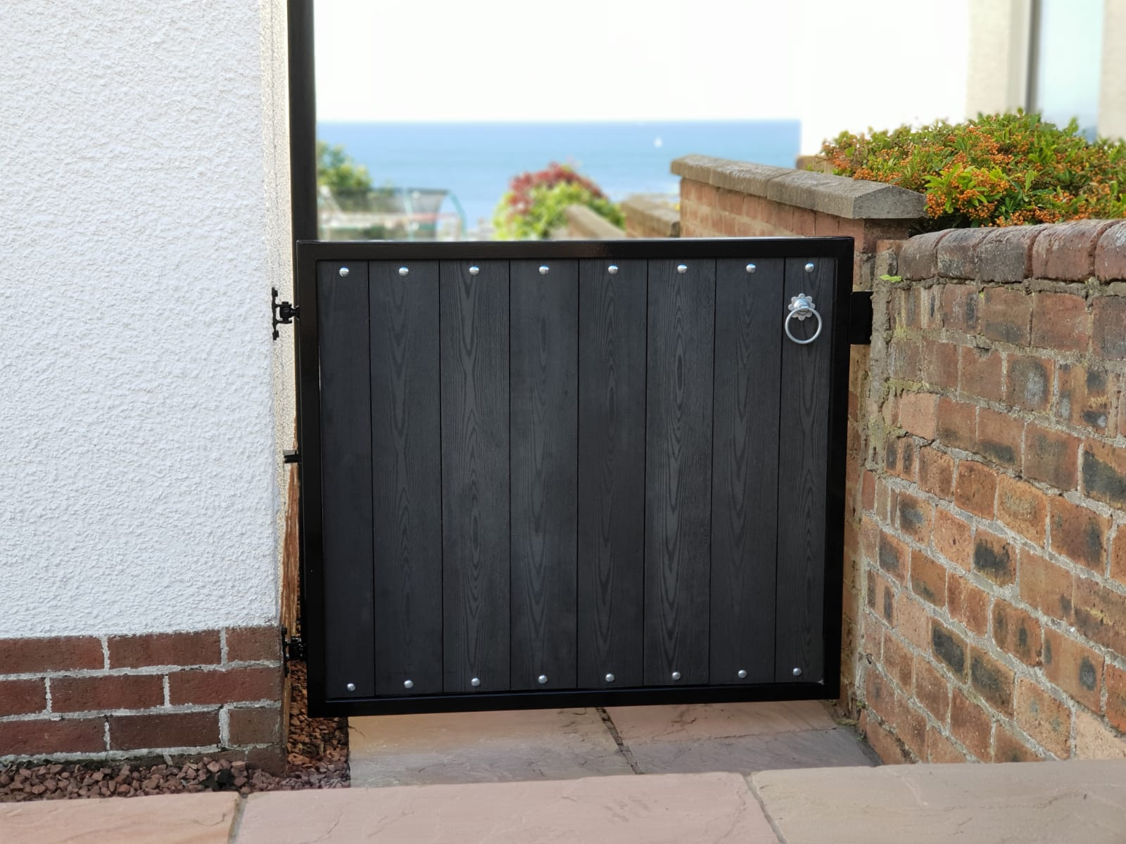 Straight top composite gate with black frame