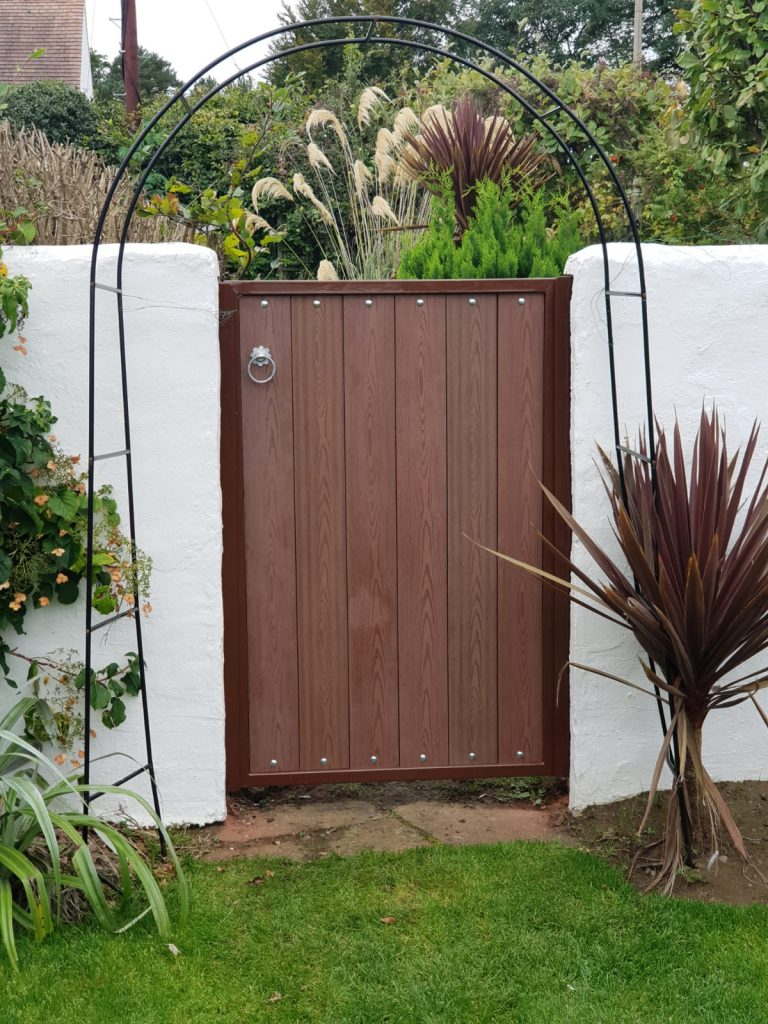 Composite gate installed in Troon by Dain Art Iron
