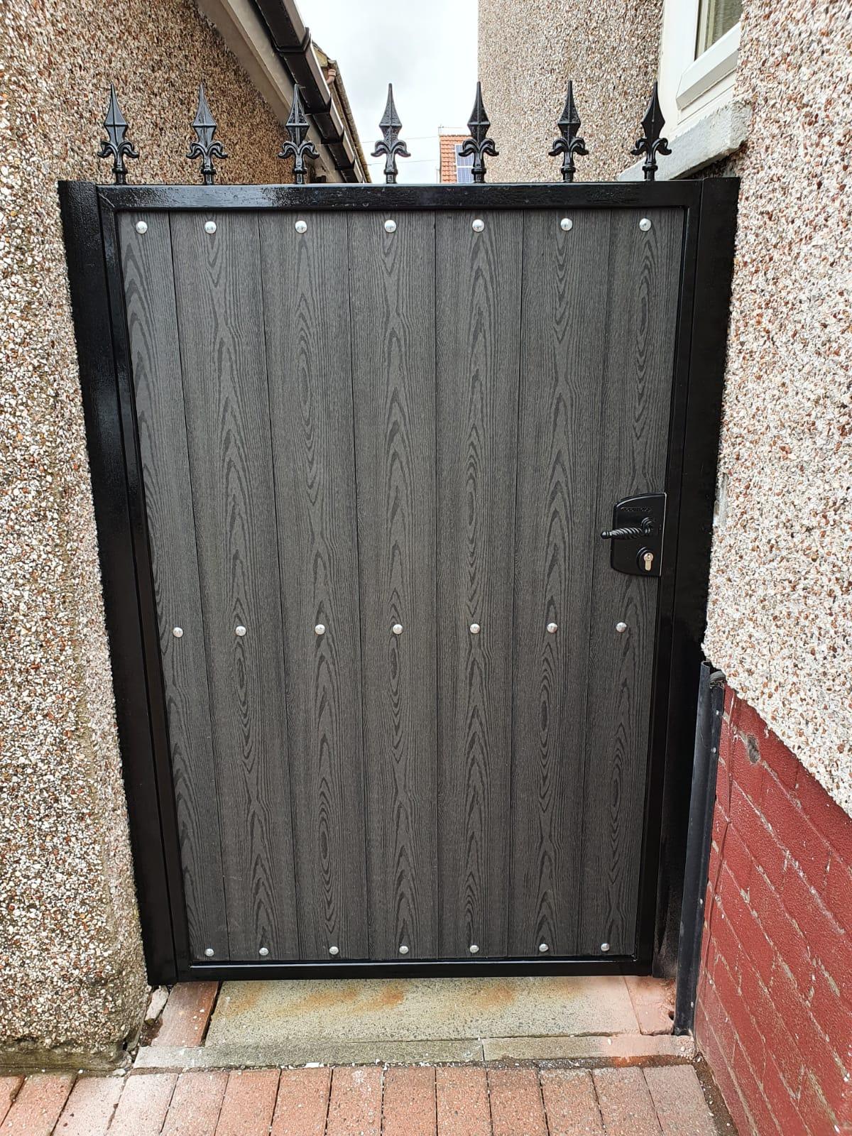 Composite side gate installed in Stewarton by Dain Art Iron